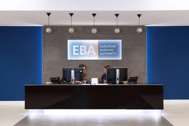 Archivo - Oficina de la Autoridad bancaria Europea (EBA). Sede de la EBA, logo.
