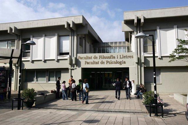 Archivo - La Facultat de Filosofia i Lletres de la UAB (Arxiu)