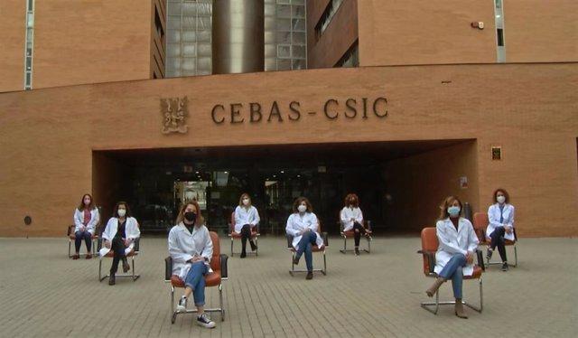 Imagen de las ocho investigadoras del CEBAS-CSIC