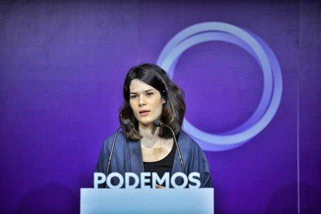 La portavoz de Podemos, Isa Serra, valora la actualidad política durante una rueda de prensa en la sede del partido.