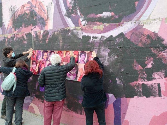 Colectivos vecinales cubren la vandalización del mural feminista de Ciudad Lineal