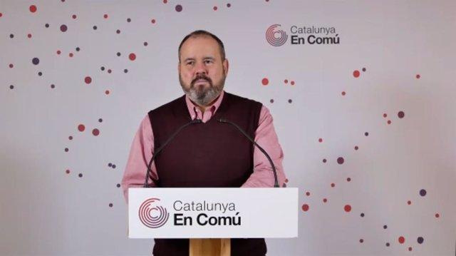 El portaveu dels comuns, Joan Mena, en una roda de premsa telemàtica.