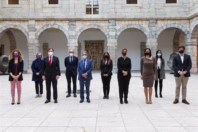 Acto organizado por la Asociación de Empresarias de Cantabria con motivo del Día Internacional de la Mujer (8 de marzo) en el Parlamento