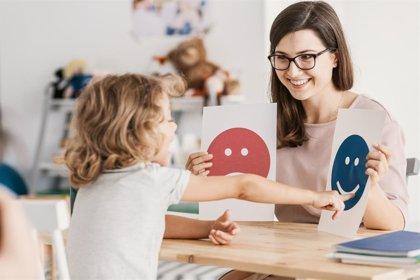Las mujeres tardan más que los hombres en disponer de una confirmación diagnóstica de autismo