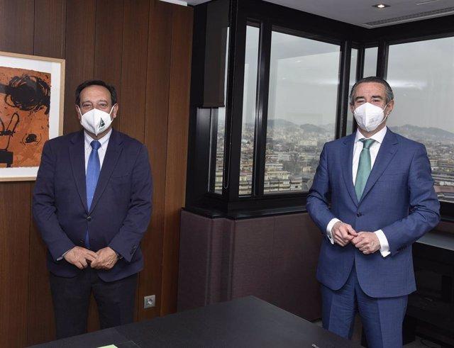 Juan Alcaraz, director general de negocio de CaixaBank, y Pedro Barato, presidente de Asaja