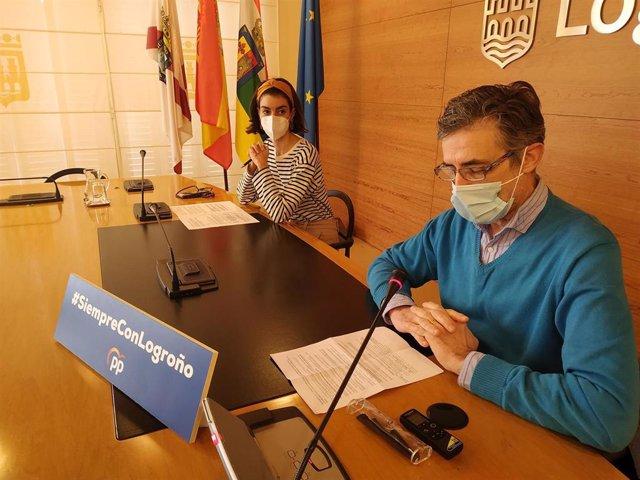 Pablo Santaolalla y Patricia Lapeña, en la rueda de prensa