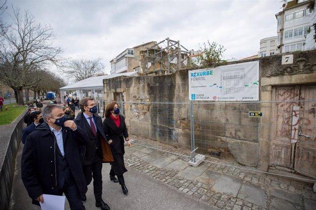El presidente de la Xunta, Alberto Núñez Feijóo, y la conselleira de Medio Ambiente, Territorio e Vivenda, Ángeles Vázquez, visitan Ferrol para comprobar las obras a cargo del programa 'Rexurbe'.