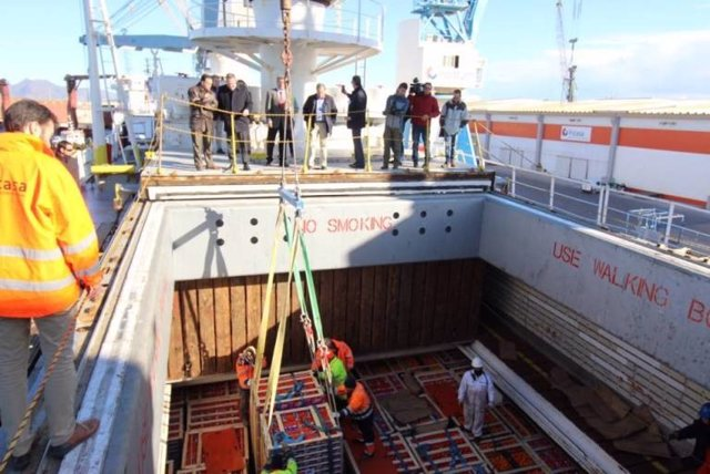 Barco con alimentos españoles para su exportación