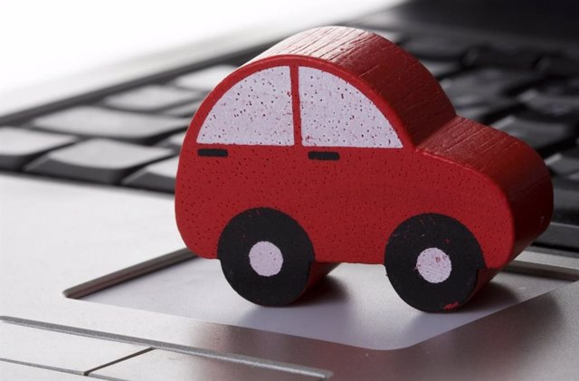 Archivo - Imagen de una maqueta de un coche en un ordenador.