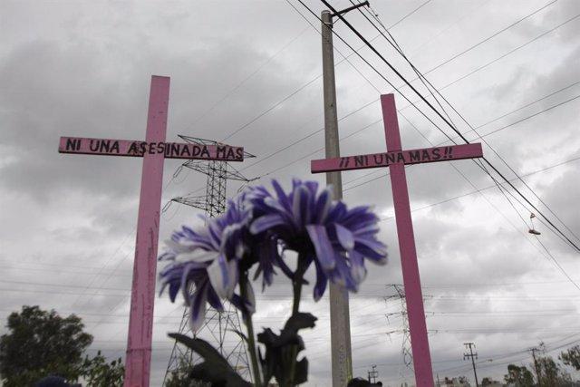 Archivo - Imagen de archivo de una protesta contra los feminicidios.
