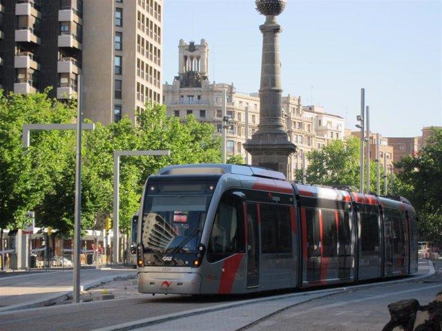 Archivo - El Ayuntamiento fija los servicios mínimos del tranvía para los paros parciales convocados a partir de este martes.