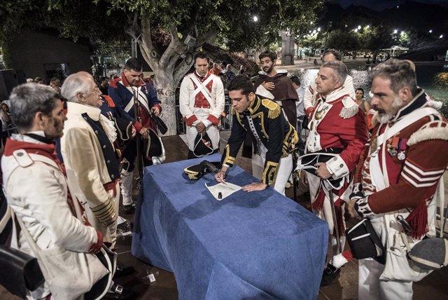 Archivo - Firma de la capitulación en la 'Gesta del 25 de Julio', en Santa Cruz de Tenerife