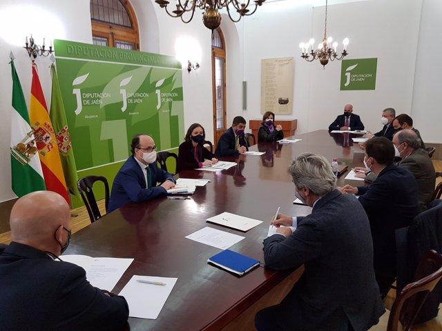 Reunión con representantes de envasadoras de aceite de oliva.