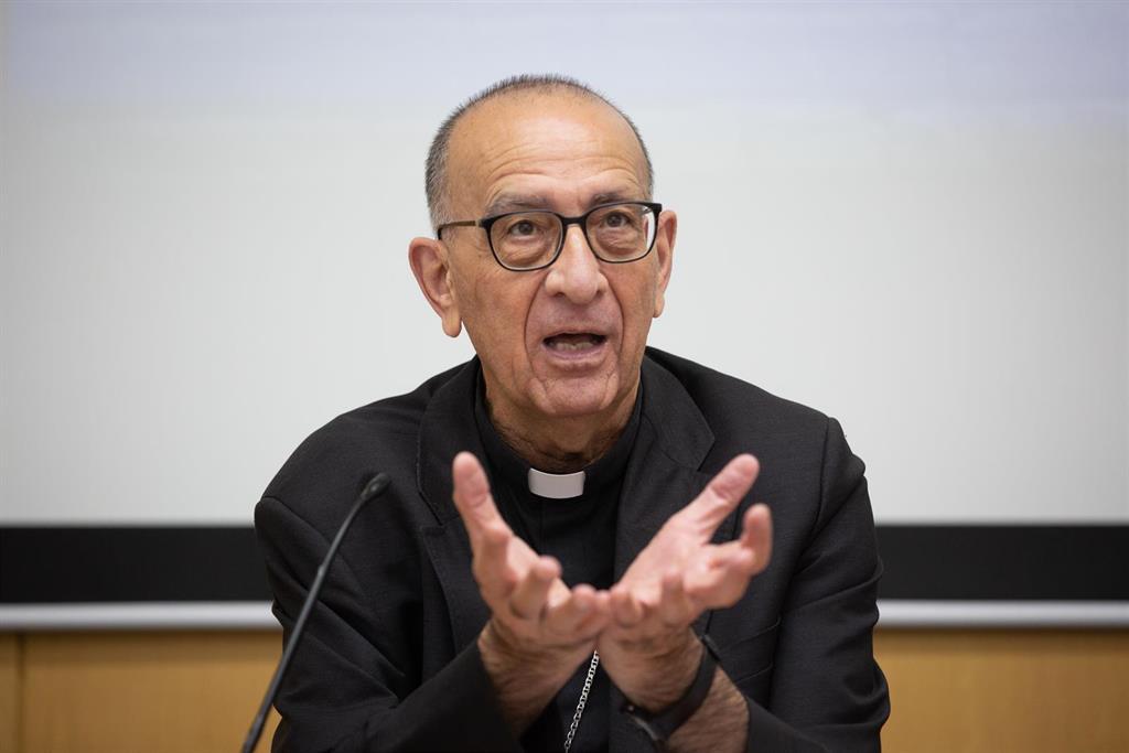 """El presidente de los obispos pone como ejemplo a la Virgen por el 8M: """"Valiente y adelantada a su tiempo"""""""
