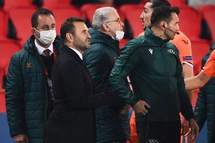 Fútbol.- La UEFA castiga a los árbitros rumanos acusados de racismo en el PSG-Basaksehir