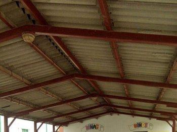 Foto: Experto avisa de que un millón de niños estudian en colegios donde están expuestos al amianto