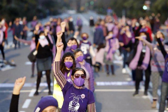 Concentración, baile feminista y lectura de manifiesto por el 8M, Día Internacional de la Mujer, en Málaga