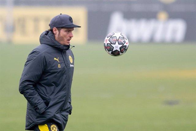 El entrenador del Borussia Dortmund, Edin Terzic