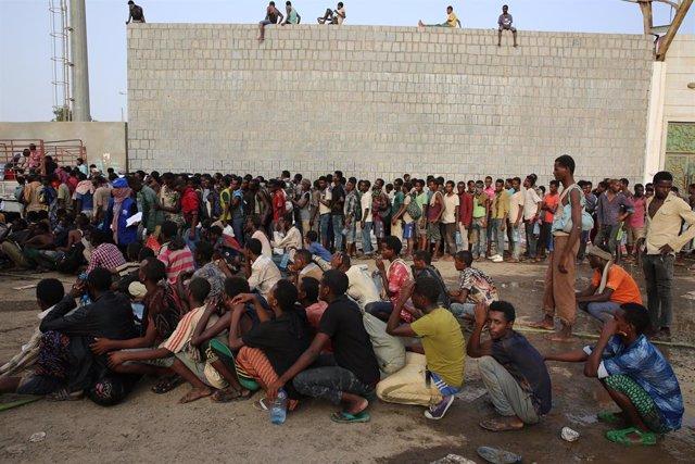 Archivo - Migrants etíops detinguts a Aden (Iemen)