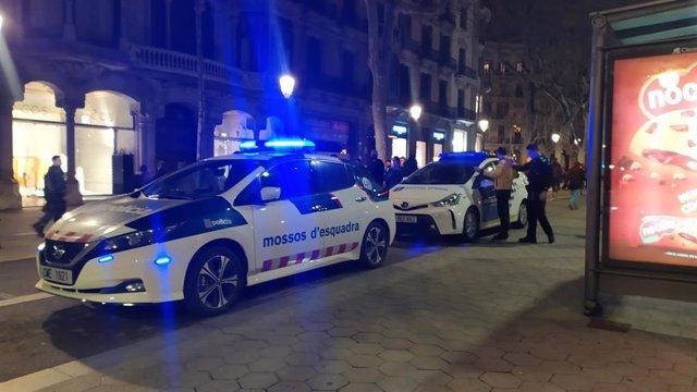 Un hombre ataca con gas pimienta a cinco participantes de la concentración en Barcelona