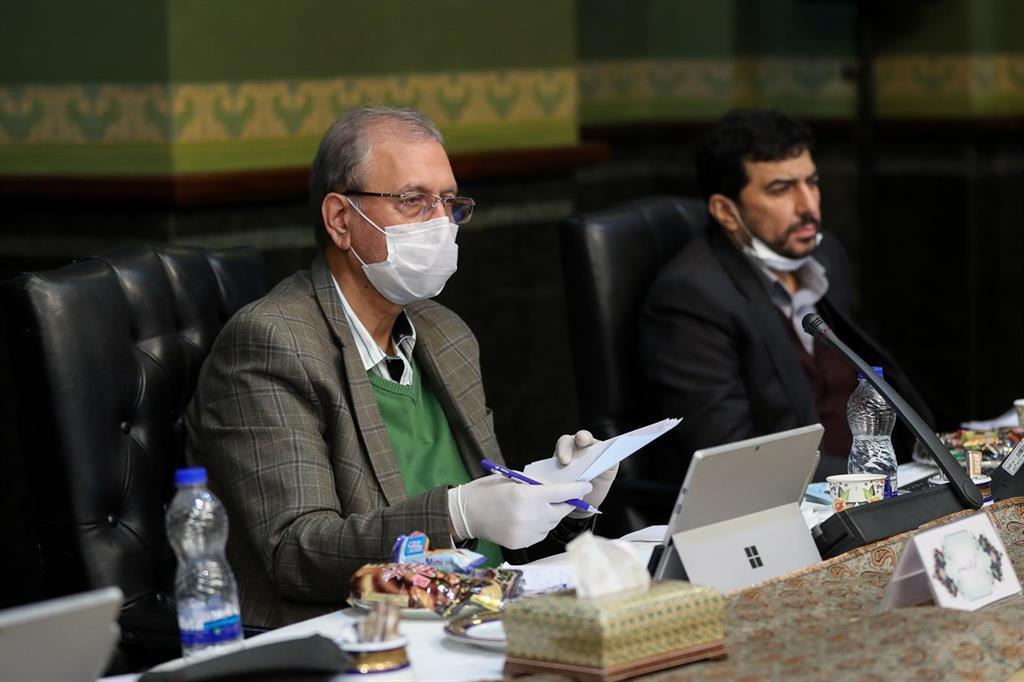 """Irán pide a EEUU que vuelva al acuerdo nuclear """"sin condiciones"""" y que """"no complique el camino hacia la diplomacia"""""""