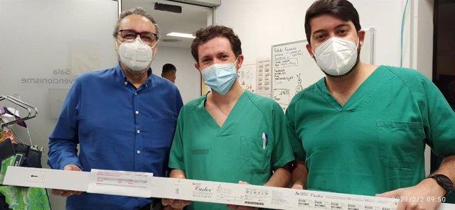 El Clínico realiza un implante de endoprótesis ramificada en el arco aórtico con un nuevo dispositivo que permite menor agresión quirúrgica