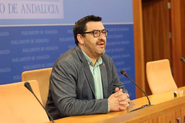 Guzmán Ahumada, líder de IU en Málaga y portavoz adjunto de Adelante Andalucía en el Parlamento