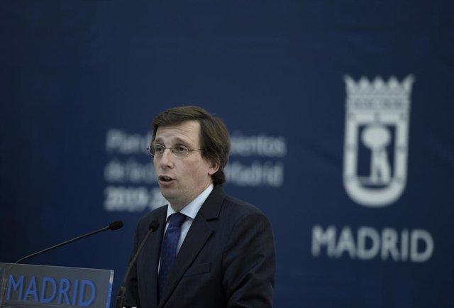 El alcalde de Madrid, José Luis Martínez-Almeida, interviene durante la presentación de 'Madrid Capital 21'.