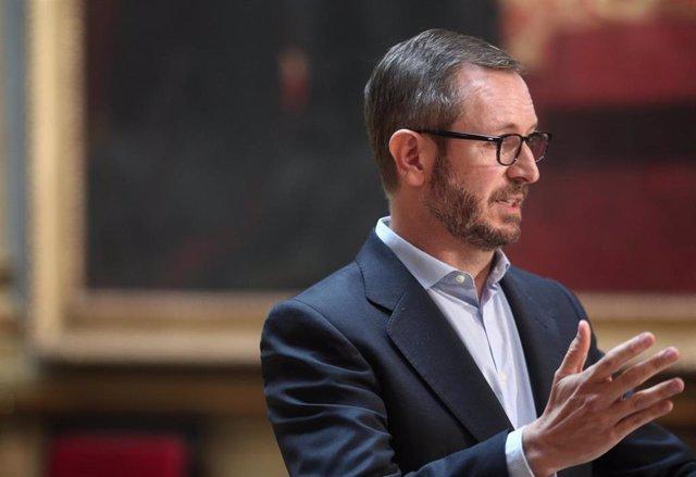 Archivo - El portavoz del Grupo Popular en el Senado, Javier Maroto, ofrece una rueda de prensa tras la Junta de Portavoces en la Cámara Alta, en el Salón de los Pasos Perdidos, en Madrid (España) a 22 de septiembre de 2020.