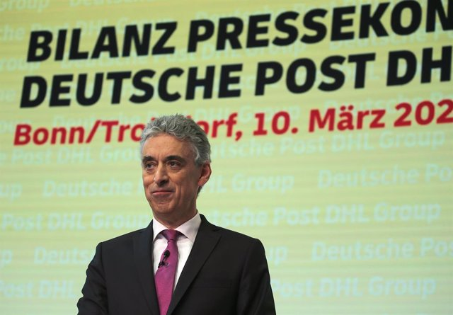 Archivo - 10 March 2020, North Rhine-Westphalia, Troisdorf: Frank Appel, Chairman of the Board of Management of Deutsche Post, attends the annual press conference of Deutsche Post. Photo: Oliver Berg/dpa