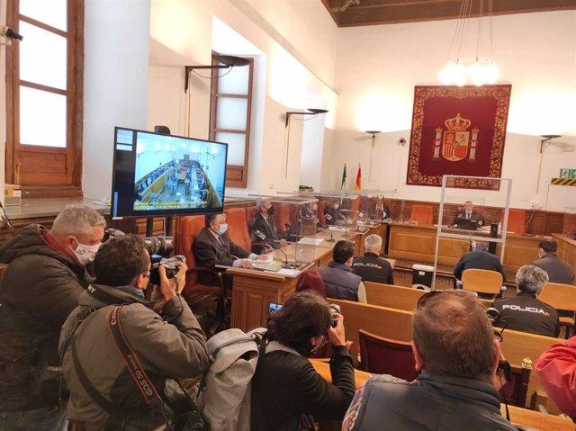 Inicio del juicio con jurado popular contra un hombre acusado de asesinar a su pareja en Dúrcal