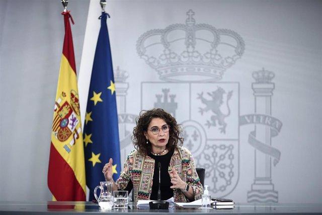 La ministra portavoz  y de Hacienda, María Jesús Montero, comparece en rueda de prensa posterior al Consejo de Ministros celebrado en Moncloa, en Madrid (España), a 9 de marzo de 2021. Entre otras cuestiones, el Gobierno ha aprobado hoy el real decreto pa