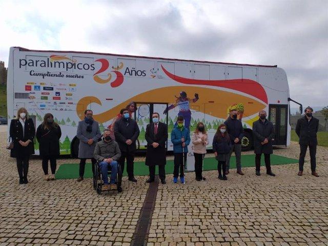 El autobús conmemorativo del Comité Paralímpico Español.