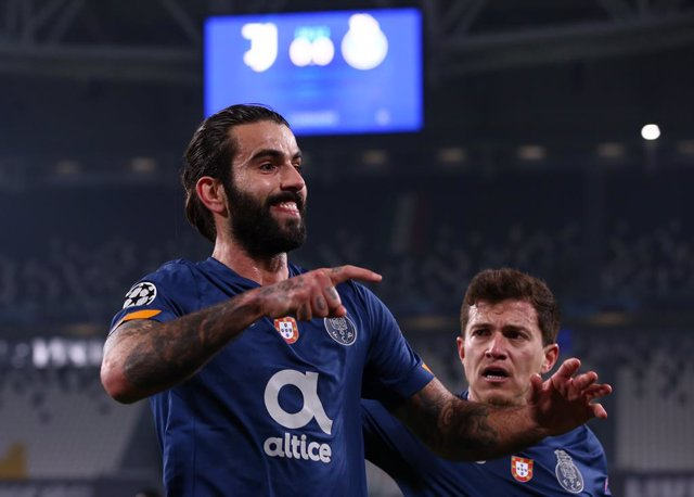 09 March 2021, Italy, Turin: Porto' Sergio Oliveira celebrates scoring his side's first goal during the UEFA Champions League round of 16, second leg soccer match between Juventus FC and FC Porto at the Allianz Stadium. Photo: Jonathan Moscrop/CSM via ZUM