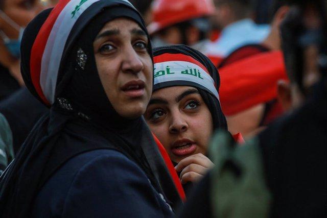 Archivo - Mujeres durante una protesta contra el Gobierno de Irak en la capital del país, Bagdad