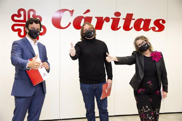 Miguel Fonseca (consejero comercial de EDP España), Francisco José Cristóbal (Cáritas) y Jorgelina Expósito (Fundación EDP)