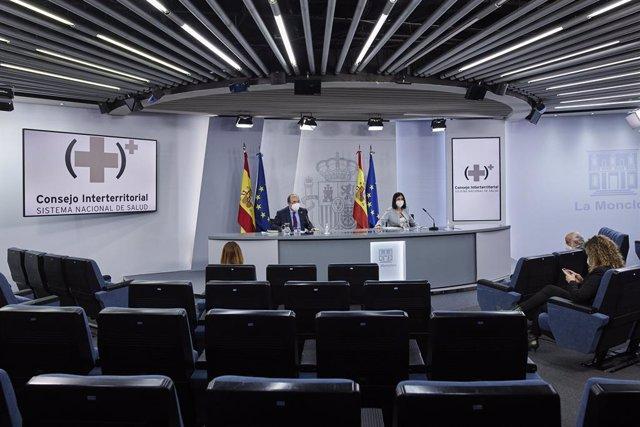 Archivo - Arxiu - El ministre de Política Territorial i Funció Pública, Miquel Iceta, i la ministra de Sanitat, Carolina Darias, en roda de premsa després de la reunió del Consell Interterritorial del Sistema Nacional de Salut. Madrid (Espanya) 3 de febre