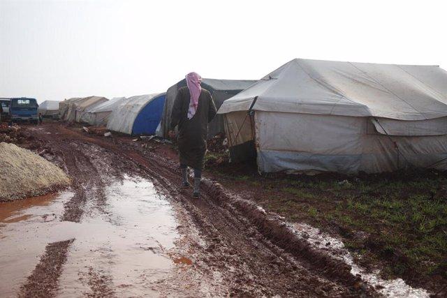 Campo de desplazados en el noroeste de Siria