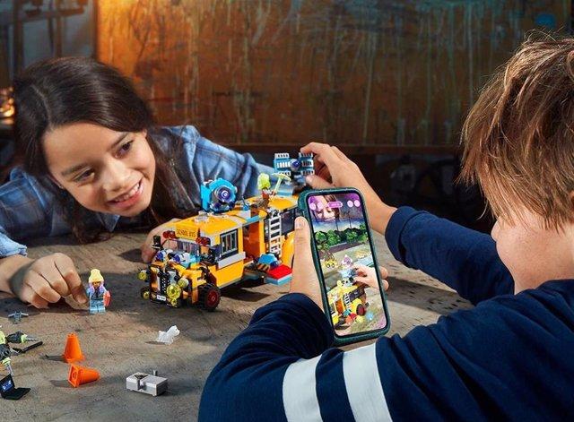 Archivo - LEGO Hidden Side, la experiencia de juego interactiva que combina construcción y realidad aumentada