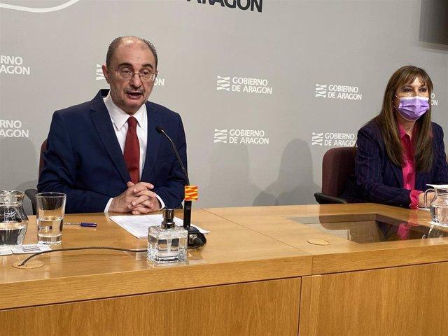 El presidente de Aragón, Javier Lambán, y la titular de Sanidad, Sira Repollés.