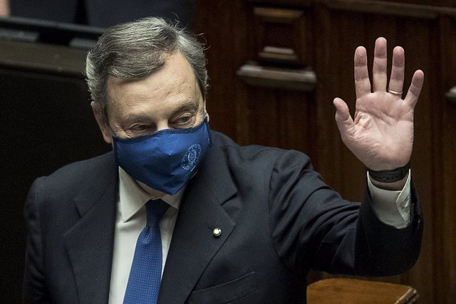 18 February 2021, Italy, Rome: Italy's Prime Minister Mario Draghi waves after winning a confidence vote on his government at the lower Chamber of Deputies. Photo: Lapresse / Roberto Monaldo/LaPresse via ZUMA Press/dpa