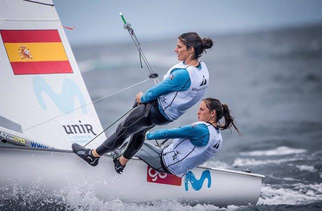 Archivo - Silvia Mas y Patricia Cantero en una prueba del 470 femenino