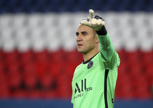 Archivo - Goalkeeper of PSG Keylor Navas during the French championship Ligue 1 football match between Paris Saint-Germain (PSG) and Olympique Lyonnais (OL) on December 13, 2020 at Parc des Princes stadium in Paris, France - Photo Jean Catuffe / DPPI