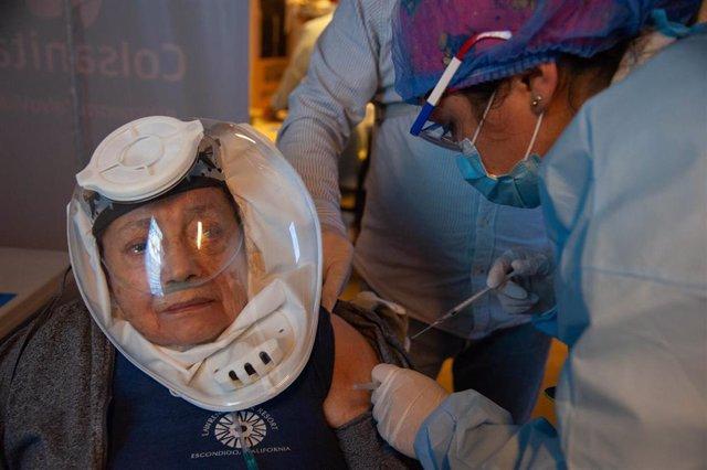 Vacunación contra la COVID-19 en Bogotá.