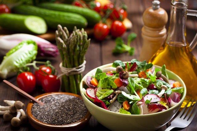 Archivo - Dieta saludable, verduras y vegetales.