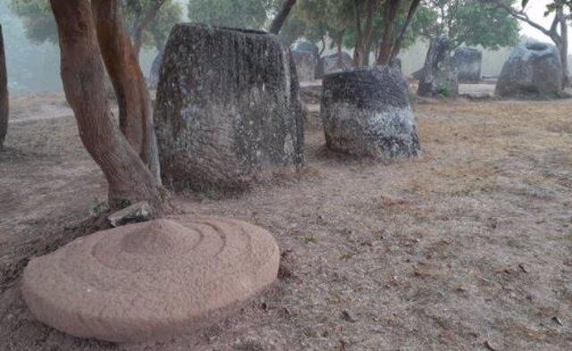 Tinajas megalíticas de Laos