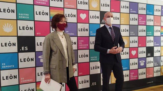 El alcalde de León, José Antonio Diez, junto a la concejal de Promoción Económica, Susana Travesí, en la presentación de la nueva marca de ciudad León.