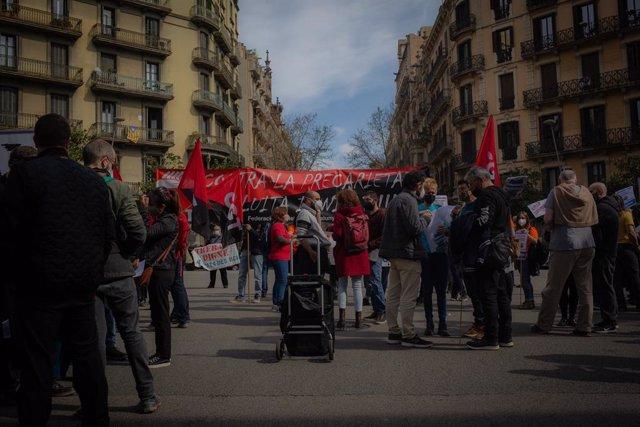 Concentració de diversos sindicats i associacions per posar fi a la situació dels treballadors subcontractats