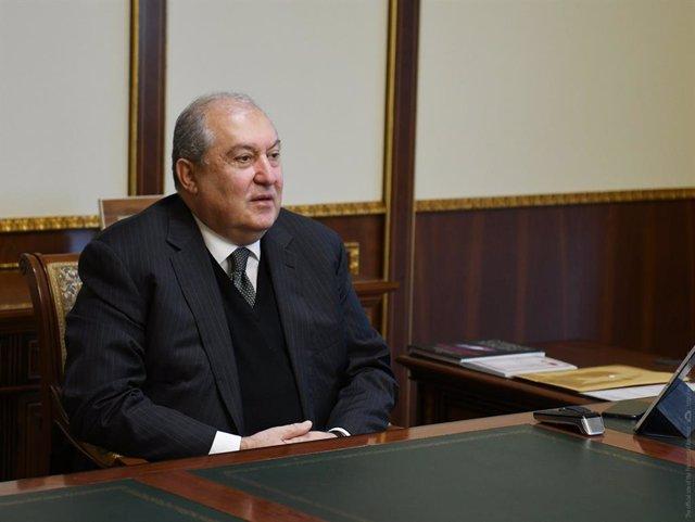 Archivo - Armen Sarkisián, el presidente de Armenia, en una reunión en Ereván