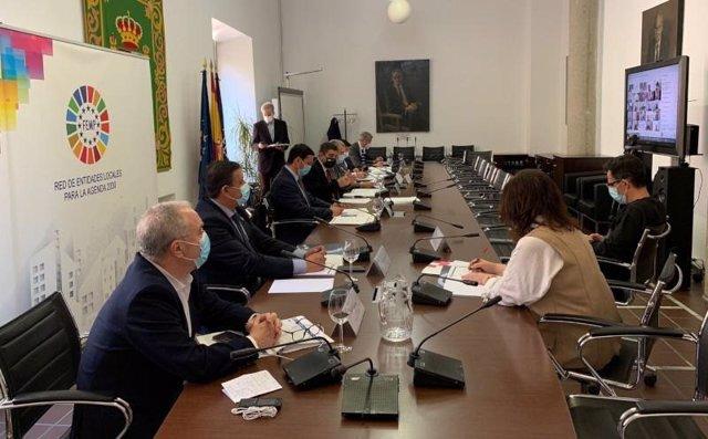 El presidente de la DPH participa en una reunión de la FEMP sobre la gestión de fondos de Unión Europea.